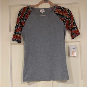 LuLaRoe Gigi shirt (or maybe Randy?) XS NWT